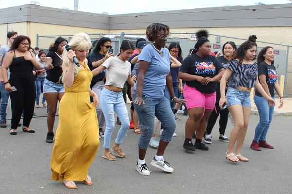 Beauty Entourage   E.C. Goodwin Technical High School
